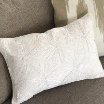 Embroidered cushion Blossom