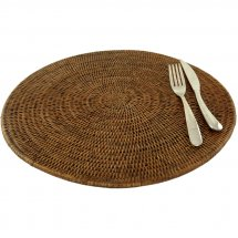 Rattan place mat by Baolgi.