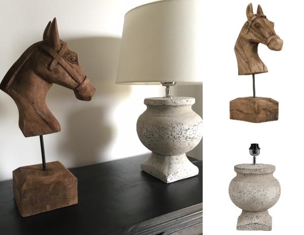 """Hästhuvud i trä bredvid lampfot """"Rome"""""""